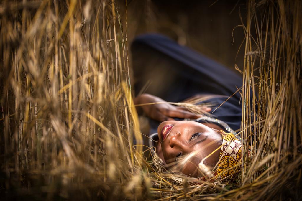 Himley Hall Portrait Photographer-Leah