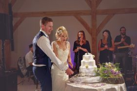 red house barn wedding photographer